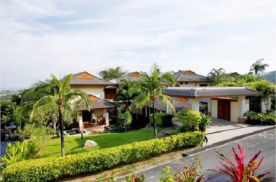 Rising Sun Residence: Villa Chandra