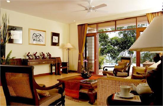 โรงแรมไรซิ่งซัน เรสซิเดนซ์: Villa Viewtawan