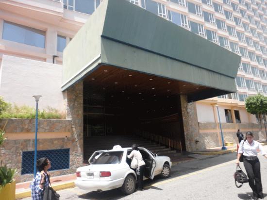 Puerta Del Sol Porlamar: hotel entrance