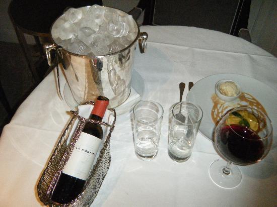 Hotel Villa Magna: room service