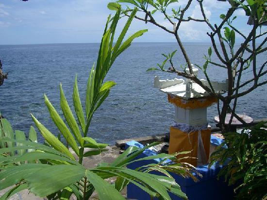 Matahari Tulamben Resort, Dive & SPA: Entrance to the Coral Garden
