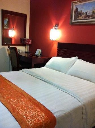 Grand Hallmark Hotel : deluxe room