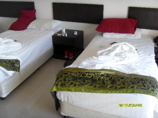Sinsuvarn Airport Suite: rooms