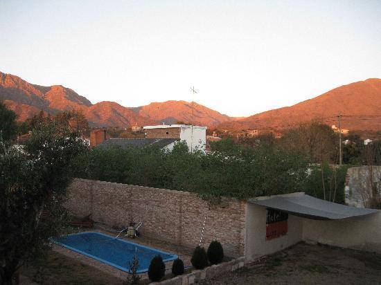 Hotel Luna serrana: View from our balcony at dusk