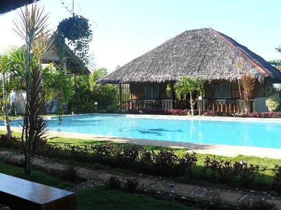 Villa Belza: Chambres autour de la piscine