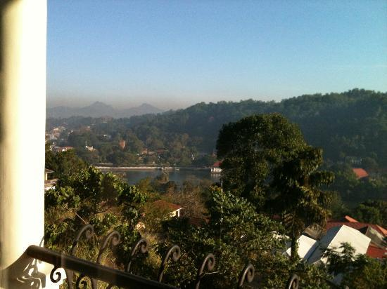 36 Bed & Breakfast: View of Kandy City 2