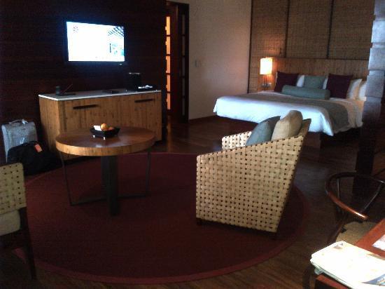 Angsana Balaclava Mauritius: This room is soooo spacious & beautiful !!!