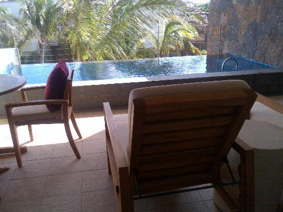 Angsana Balaclava Mauritius: outside the room - private pool !!!