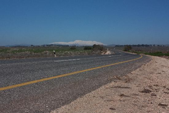 Invito: Hermon mountain covered with snow
