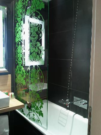 NH Roma Midas: Bagno con vasca