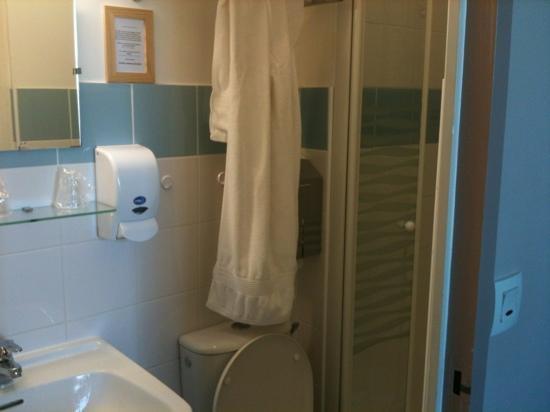 Hotel Les Charmettes: salle de bains
