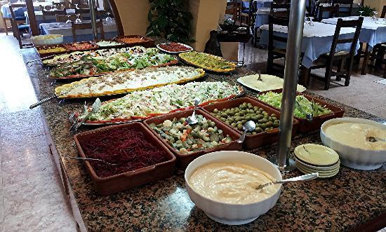 Bufette Can Pistoleta SL. : Auswahl vom Buffet