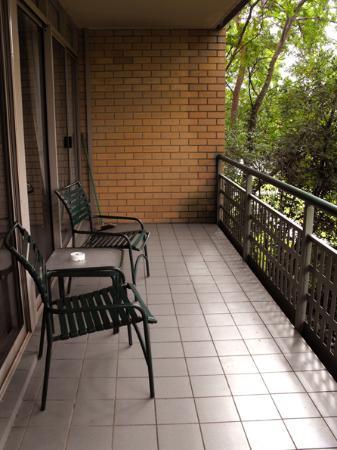 Kingston Terrace Serviced Apartments: balcony