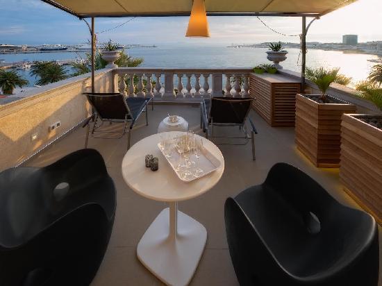 Riva Luxury Suites: Luxury Suite - the terrace