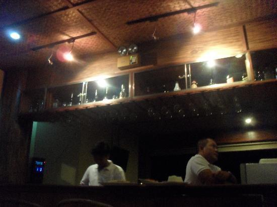 Mt. Tapyas Hotel: bar and resto