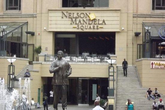 Nelson Mandela Square Photo