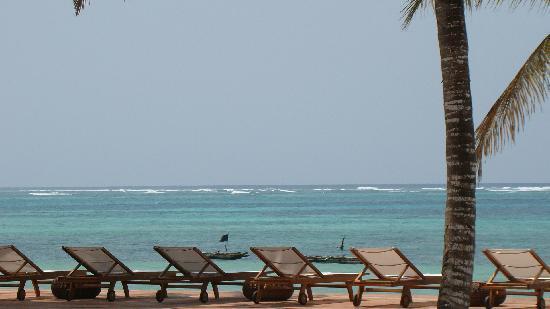Dongwe Ocean View: Deck
