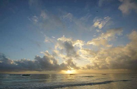 Dongwe Ocean View: sun rise