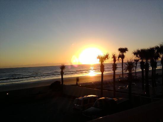 Holiday Inn Hotel & Suites Daytona Beach Photo