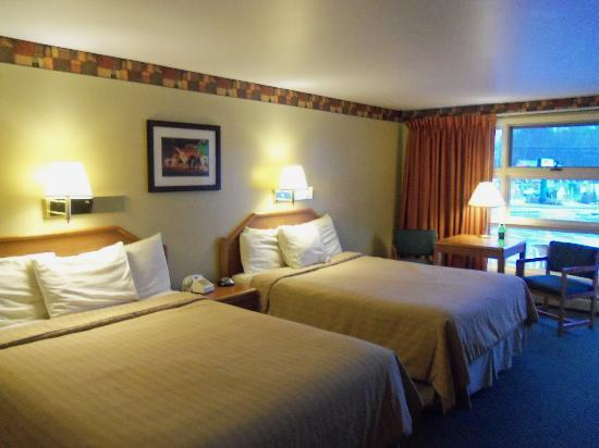 Super 8 Lake George/Downtown: 2 Queen Beds