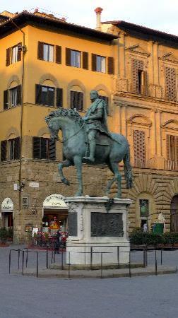 Plaza de la Señoría: Cosmos I di Merdici Statue