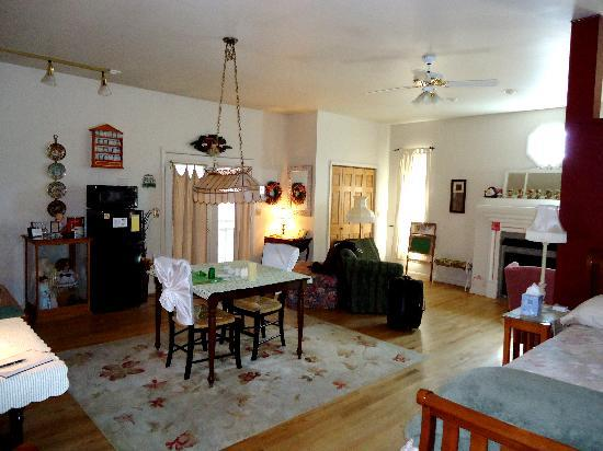 Campbell House Bed and Breakfast : Suite