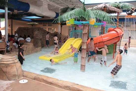 Palm Island Indoor Waterpark 사진