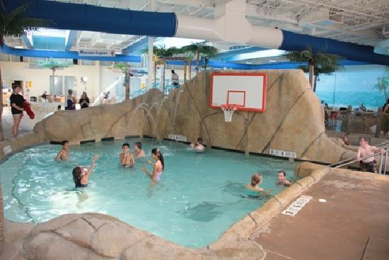 Palm Island Indoor Waterpark: Paradise Bay Activity Pool