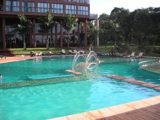 Amerian Portal del Iguazu: vista de la piscina