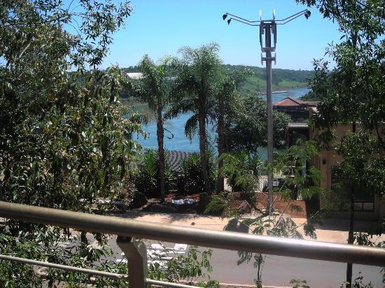 Amerian Portal del Iguazu: vista desde la piscina inferior