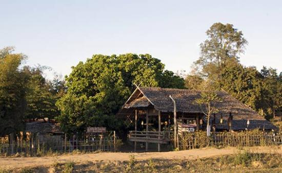 Twin Hut: Restaurant