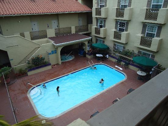 La Quinta Inn & Suites San Diego Old Town / Airport: swimming pool