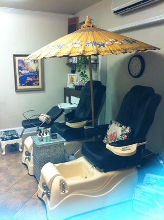 The Beauty Shop & Manicure Bar