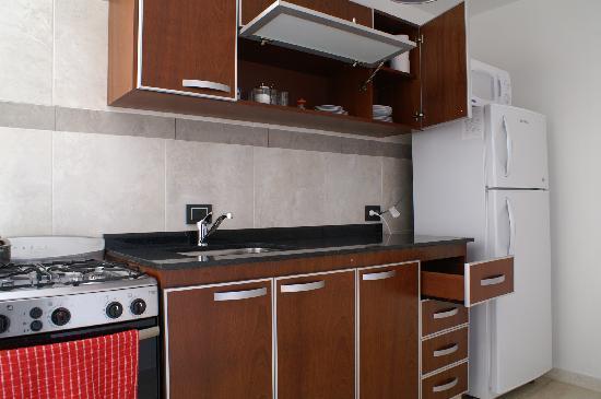 Cocina departamento fotograf a de departamentos misiones for Cocinas modernas para departamentos
