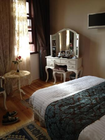 Esans Hotel: Very clean and cozy room!