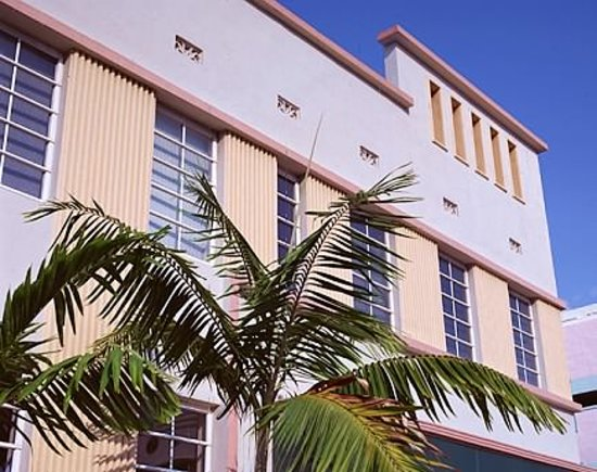 Viscay Hotel: Building Front