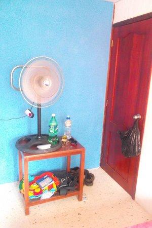 Kon - Tiki Hostal: habitacion