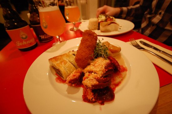 De Waaghals: yummy dinner with local beer