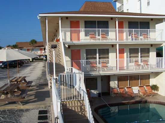 Royal Holiday Beach Motel : Ocean View Rooms