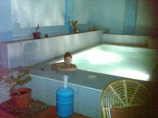 Pammae Palace: enjoying the plunge pool