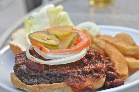 Coral Reef Beach Bar: Awesome burger
