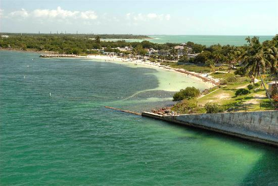 Bahia Honda State Park and Beach : View from the trail