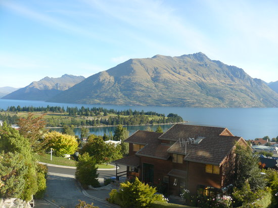 بالمورال لودج: Balmoral Lodge Exterior view