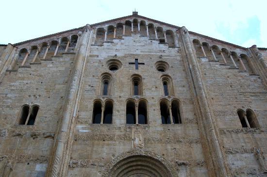 Pavia, Italia: Basilica San Michele Maggiore