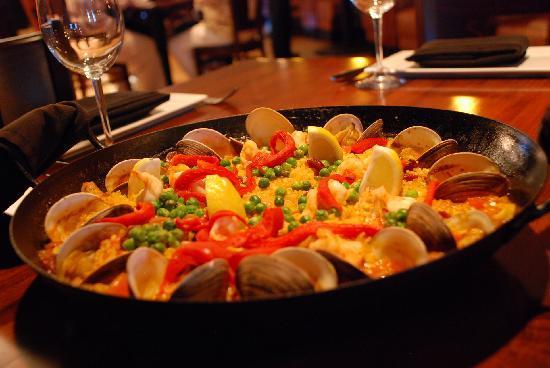 Ole Tapas Lounge & Restaurant: Paella Valenciana