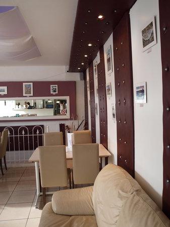 Paradiso Cafe Bar Restaurant