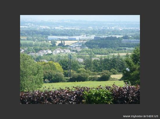 Bearna Rua Lodge: View from garden