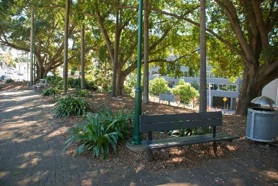 South Brisbane Memorial Park: A nice spot to sit and relax