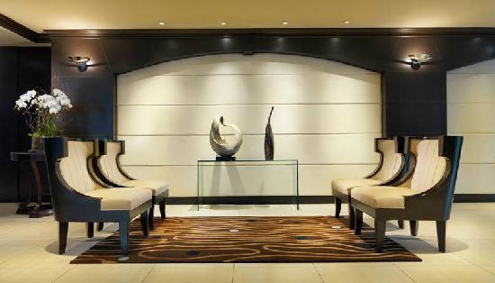 Granville Island Hotel: Lobby