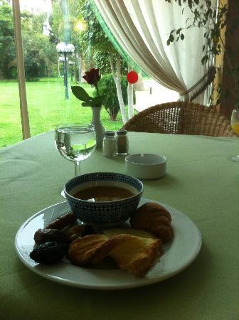 El Oumnia Puerto: Breakfast